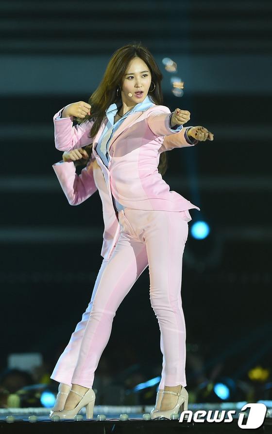 exo少女时代a pink热情亮相梦想演唱会