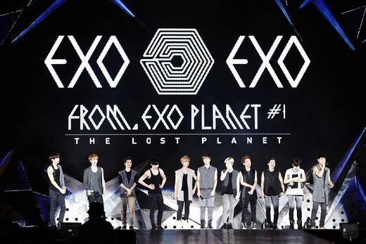 EXO西安办演唱会 现场火爆展超高人气 组图