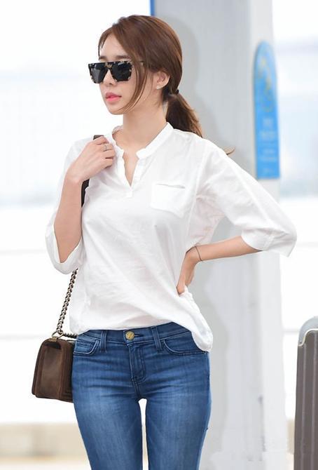 刘仁娜\白衬衫+牛仔裤\美女伯恩厂图片