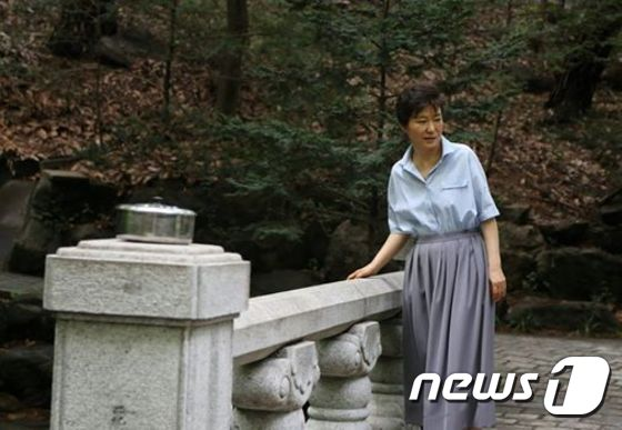 韩媒盘点韩国历任总统的中秋假期(组图)