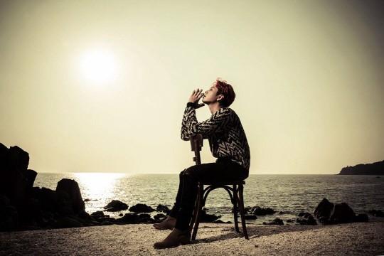 人民网10月8日讯 韩国组合beast的精选迷你七辑《TIME》的专辑封面画报公开。 照片中,在秋天的大海背景下,beast的六名成员都展现出温柔的一面。脱掉在之前的歌曲《Good Luck》中的男人味十足的外衣,在本专辑中化身秋日男人,深沉而又神秘。 据悉,beast正在准备将于10月16日举行的出道五周年回归舞台。