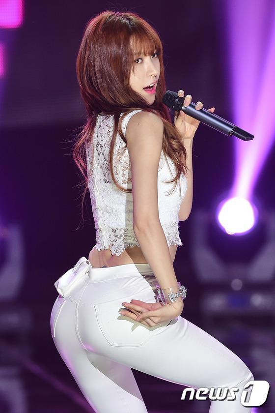 韩女团表演齐秀美腿 A pink新曲夺冠组图 16
