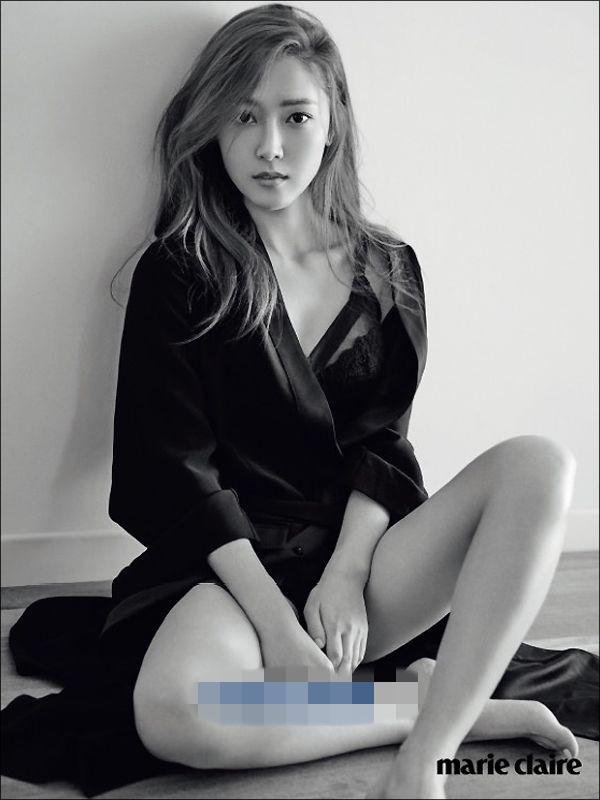 Jessica写真秀诱惑曲线 变身性感女人【组图】