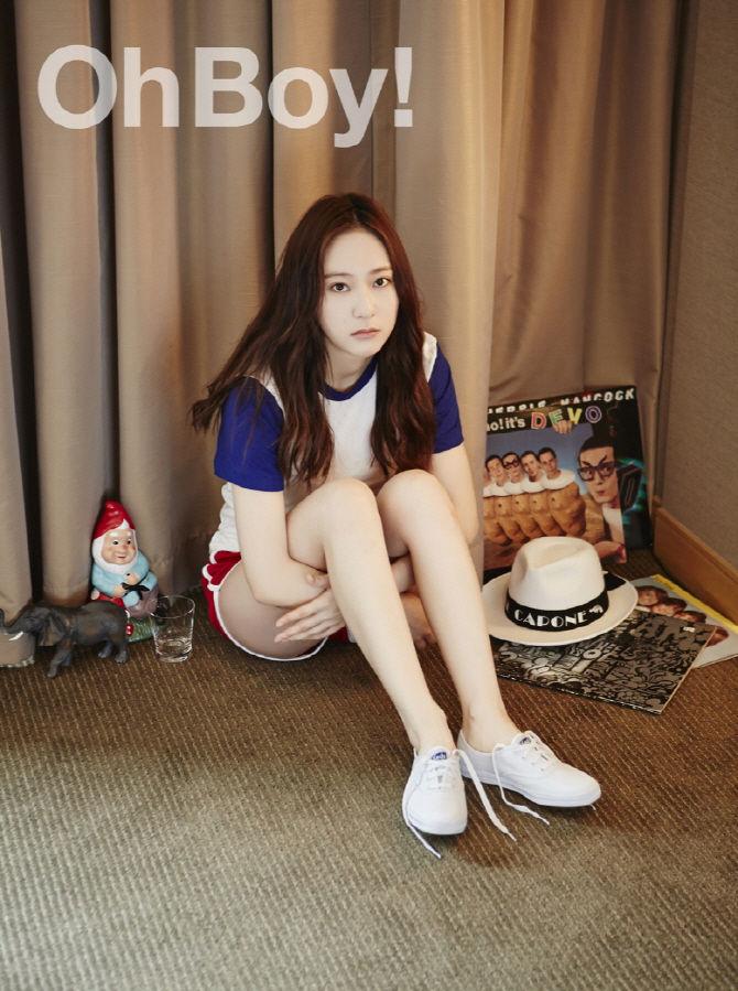 人民网6月5日讯 韩国女团f(x)成员郑秀晶赴日本东京拍摄的画报