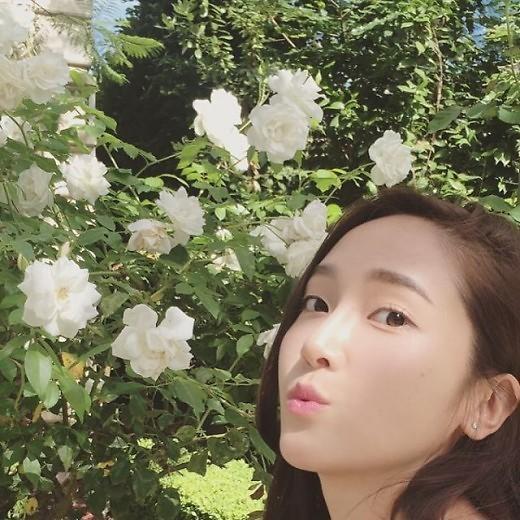 时代少女前成员Jessica晒自拍卖萌庆祝SNS粉胖会男生女生吗嫌图片