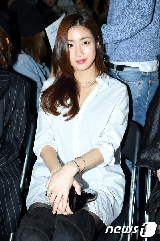 少女时代朴信惠李菲儿首尔时装周比美