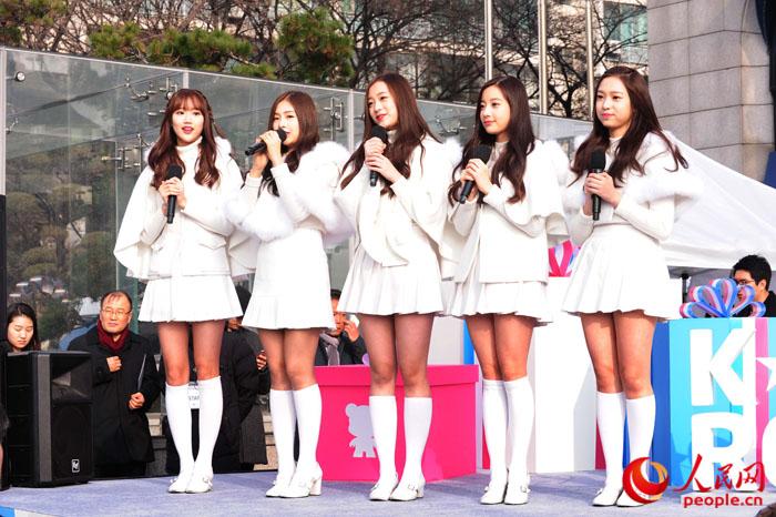 韩流组合april出席开幕式
