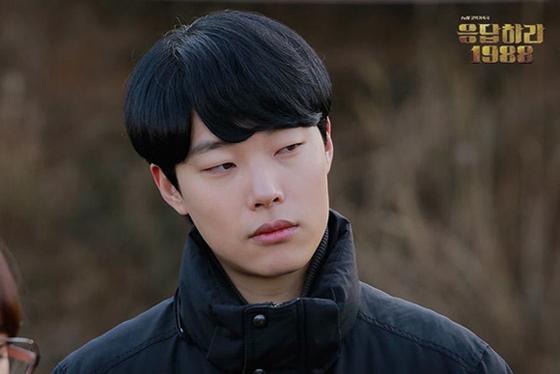 柳俊烈出演的腹黑学霸金正焕,一登场就被一致认为一定是成年后成
