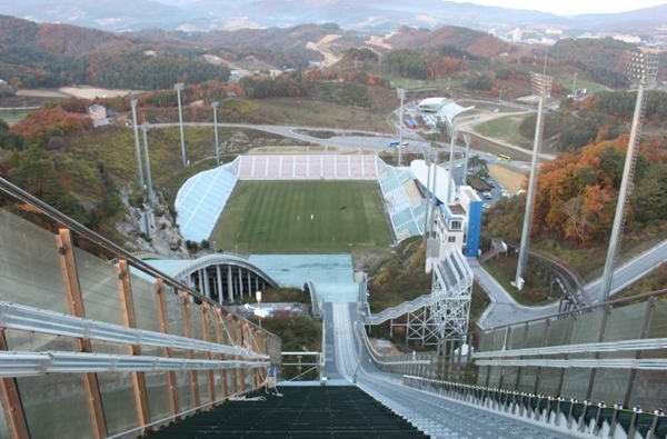平昌/目前平昌冬奥会的比赛场馆正在加紧建设中。