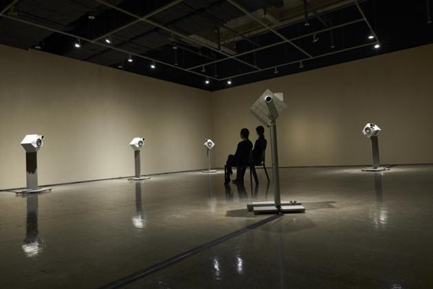 韩国设计师刘国一举办金属音响个人展示会