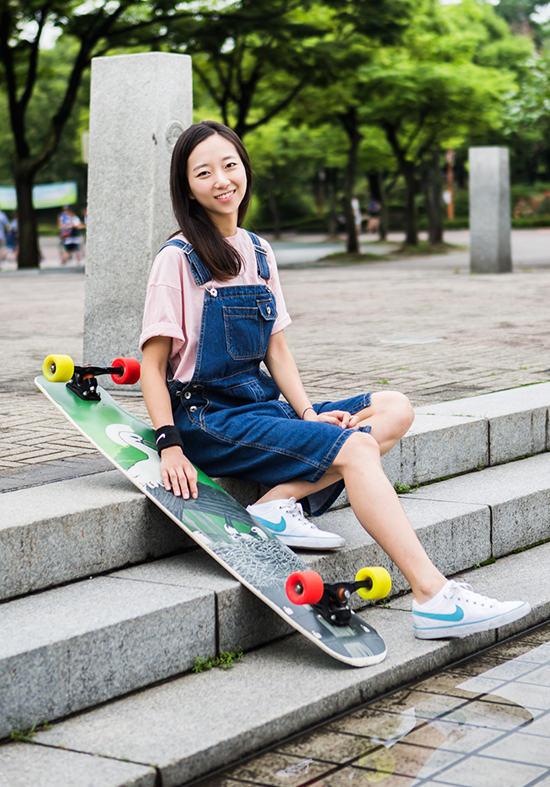 韩国滑板女神高孝周走红网络 清纯美照引热议【组图】