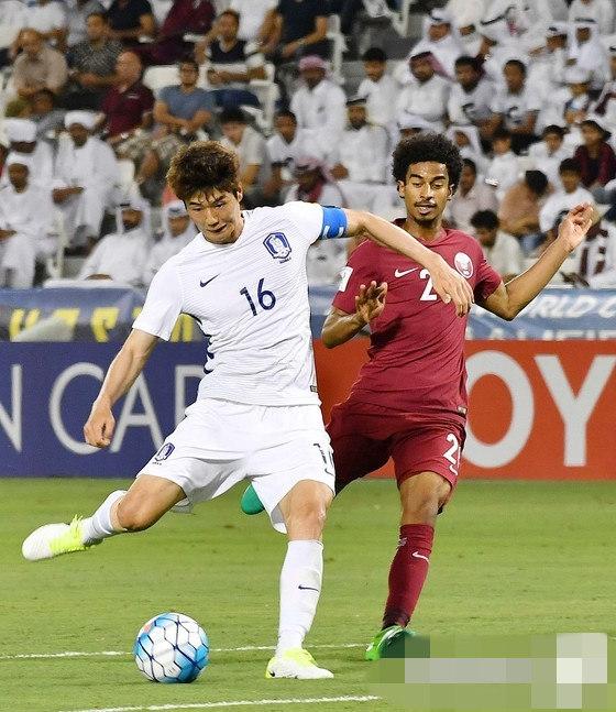 世预赛12强赛:韩国队2:3负于卡塔尔队 寄诚庸黄喜灿各