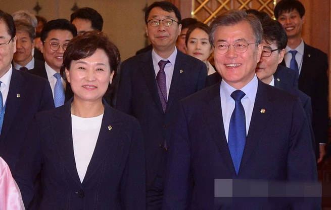unibet中文网总统文在寅任命金贤美为新任国土交通部长