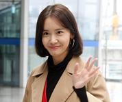 少女时代林允儿抵达釜山