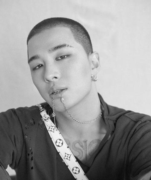 """BIGBANG太阳入伍前写真曝光 演绎时尚性感""""纯爷们""""【组图】--韩国频道--人民网"""