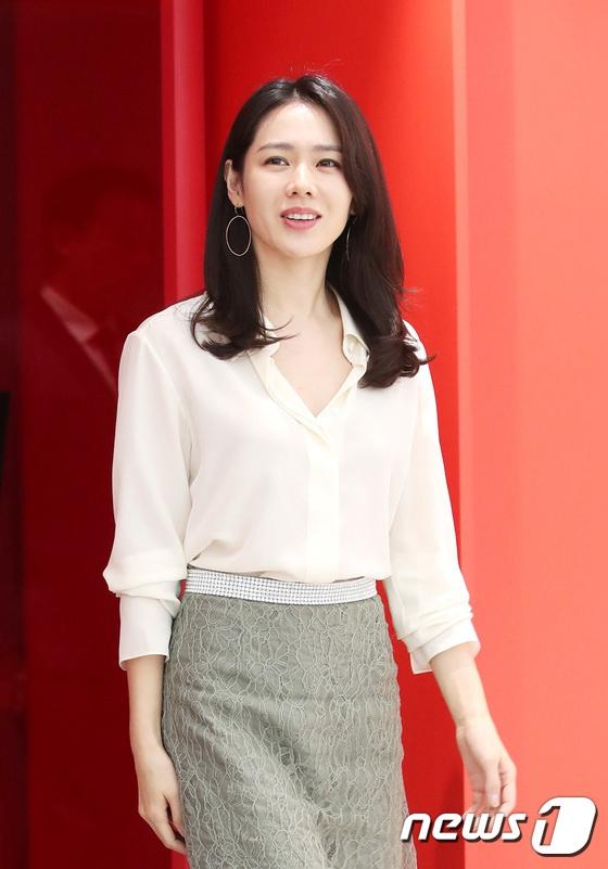 《经常请吃饭的漂亮姐姐》孙艺珍现身品牌活动