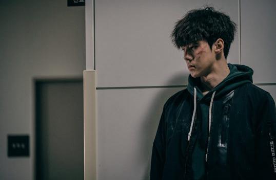 exo吴世勋面部伤痕累累 《独孤rewind》公开男主剧照【组图】