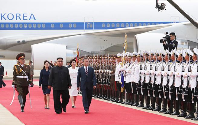 高清:金正恩文在寅在平壤举行年内第三次会晤