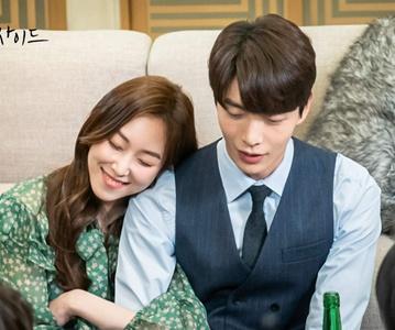 《内在美》韩世界变脸秘密被发现 姜社罗柳恩浩渐生情愫