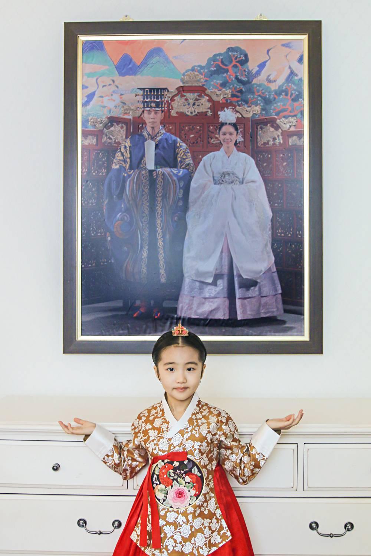"""《皇后的品格》雅丽公主拍摄花絮曝光 """"小人精""""与共飚"""