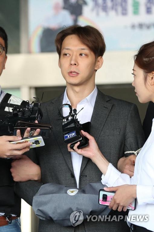 【韩娱速递】梁铉锡卸任YG全部职务泰妍患烦闷症遭网友冷嘲