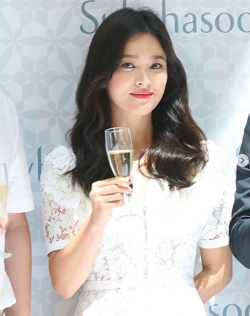 【韩娱速递】宋慧乔离婚后首现身韩检方接受朴有天一审判决放弃上诉