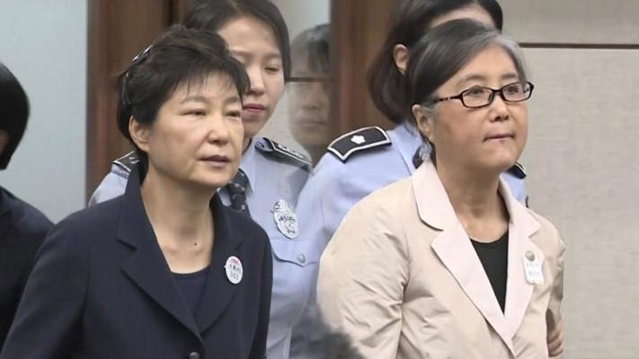 崔顺实喊冤要求朴槿惠作证 韩裁判庭称将商议未正面答复