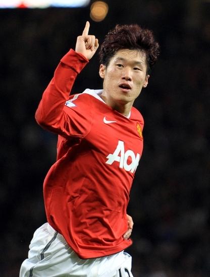 ...星父将透露这位球星当年的取名过程.   韩国足坛巨星朴智星...