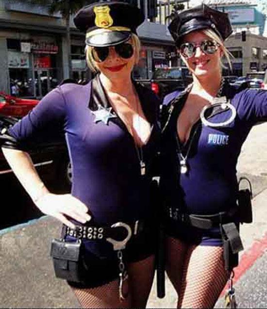 【组图】致命诱惑:盘点各国穿制服的漂亮女警