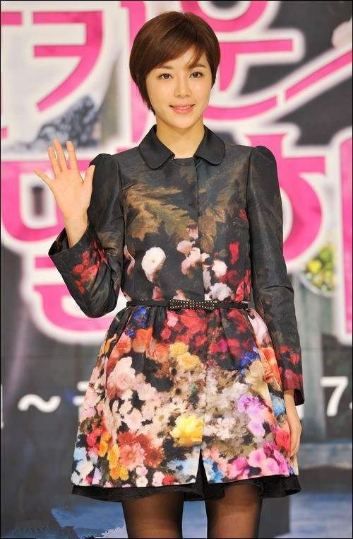 【女星】韩国清纯海报朴病毒感染性感内衣组图包括演绎、、的寒星持续性(图片