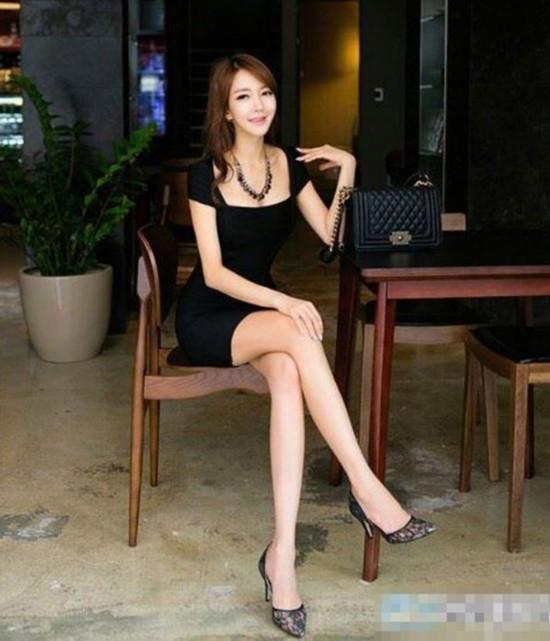 【组图】韩国28岁大学女教师大长腿走红 网友
