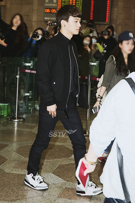 exo m黒装低调返韩 新专辑 中毒 将延发 组图 12