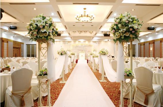 据悉,与这些酒店的结婚礼堂签订合约之后,若在举办婚礼3个月之前